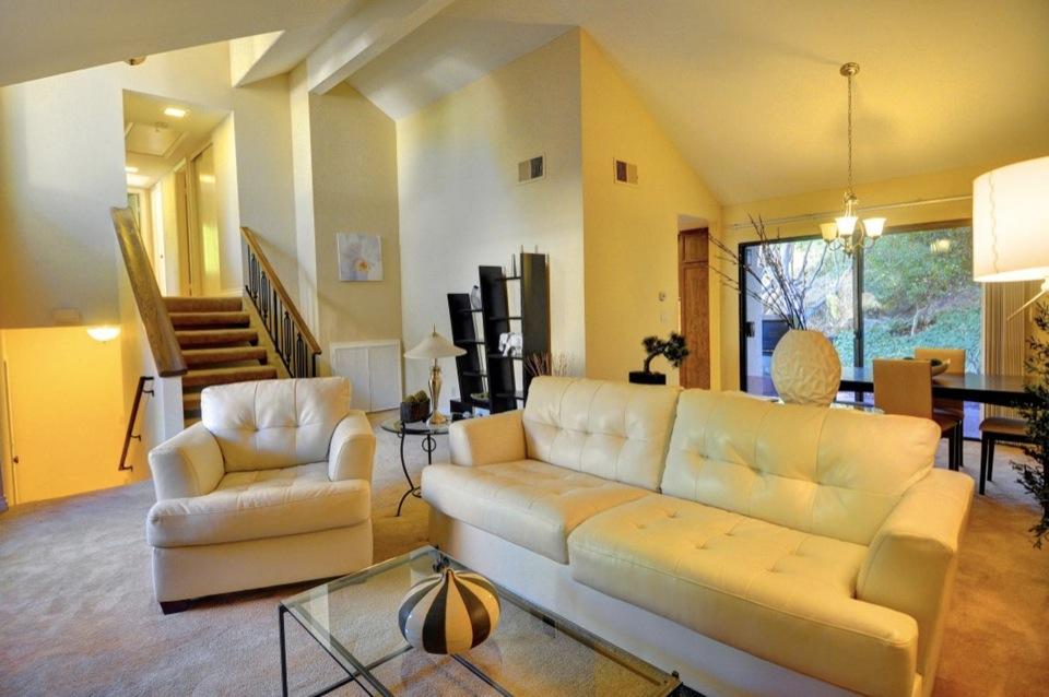 4361 Caminito de la Escena San-large-008-Living Room-1156x768-72dpi